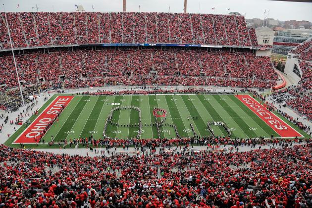 Top Big 10 & Pac 12 Football Stadiums - Experiencify