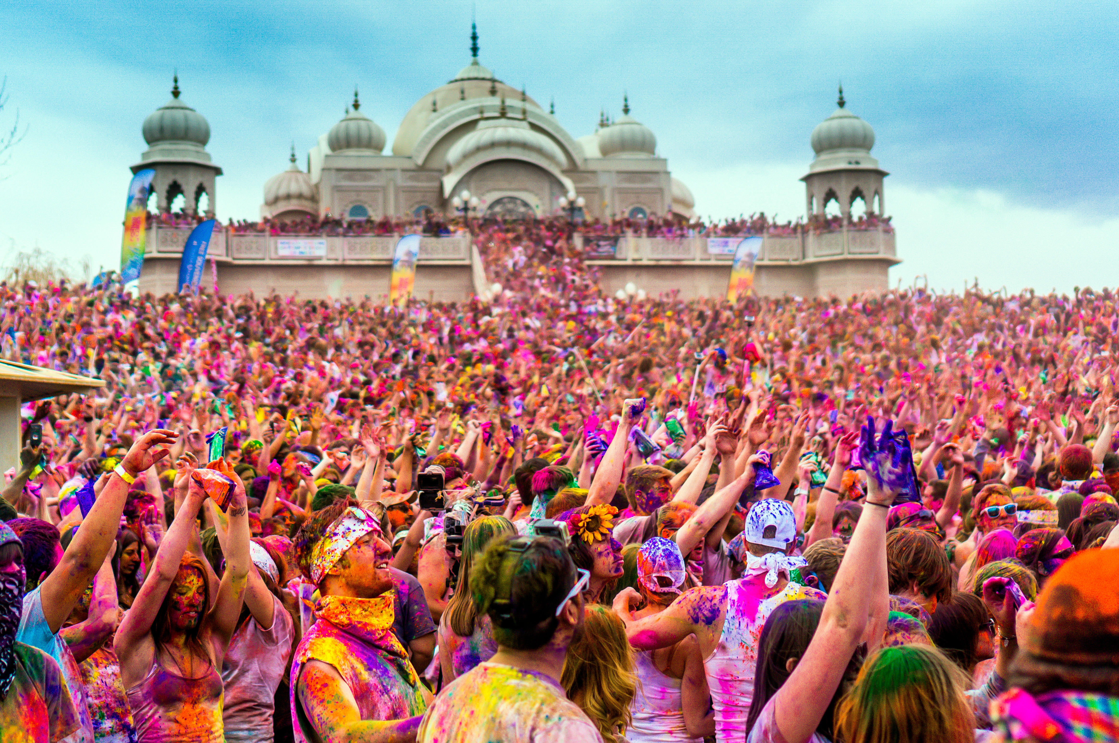 information about holi festival Find information about holi 2018, why and how it is celebrated in india the main attractions and dates of holi are also mentioned.