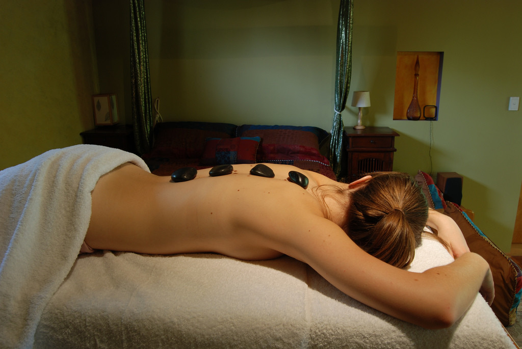 Hot_Stone_Massage_at_Witches_Falls_Cottages
